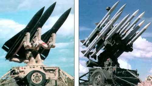 Пусковая установка М192 с ракетами «Хок» ( слева) и с ракетами AMRAAM (с права)