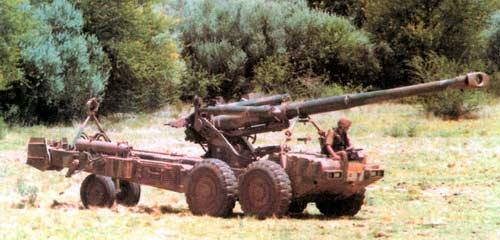 G5 — 155-мм буксируемая пушка-гаубица в походном положении